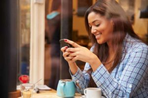 questions to ask a guy over text - featured