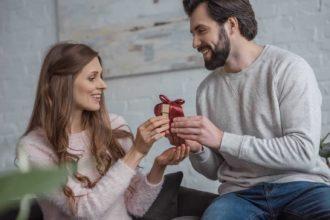 valentine's day gifts for boyfriend - featured