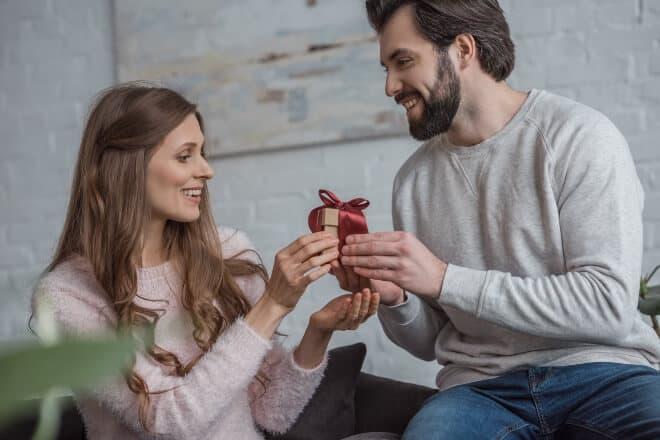 valentine's day gifts for boyfriend - main