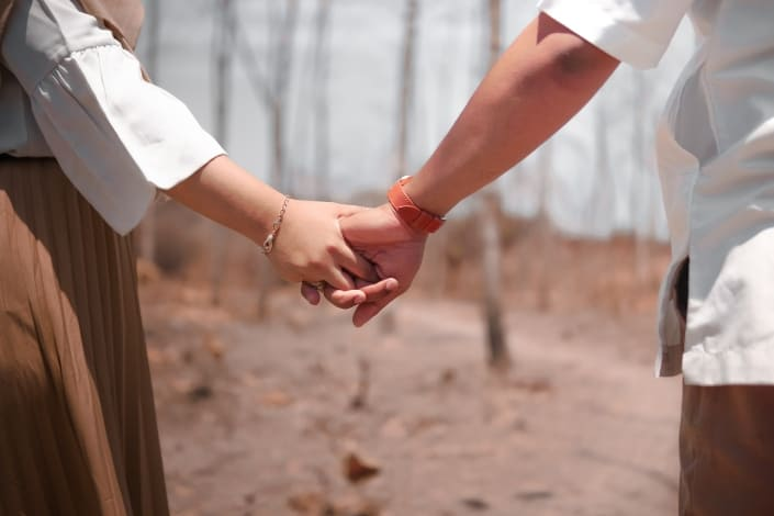 deep questions to ask your boyfriend - How do you best connect with others_