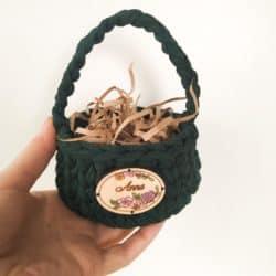 personalized bridal shower favors - Mini crochet easter basket