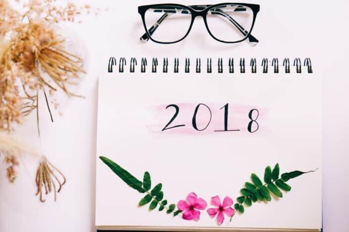 white 2018 spiral calendar